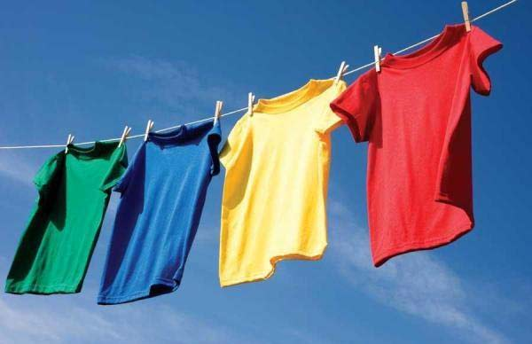 sun drying laundry to kill bed bugs